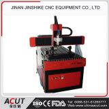 기계를 새기는 CNC 절단기 조판공 CNC