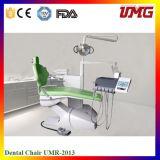 Vieilles chaises dentaires d'équipement dentaire professionnel de traitement