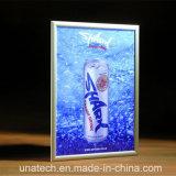 Geöffneter an der Wand befestigter dünner LED heller Innenkasten des Aluminium-Verschluss-