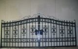 Puerta impulsada por motor de la puerta del hierro labrado y de Componenets de la puerta