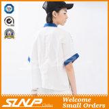 Frauen arbeiten beiläufiges kurzes Hülsen-Hemd um