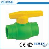 Encaixes da água fria e quente PPR para o sistema de tubulação de PPR