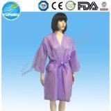 Abiti a gettare non tessuti bianchi del kimono per l'uomo