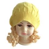 Traction colorée tricotée volumineuse de filé de nouveauté de chapeau d'enfant de l'hiver de mode sur le Beanie avec beau Poms pour des gosses