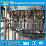 Agua mineral de la botella rotatoria del animal doméstico que aclara la máquina de relleno y que capsula