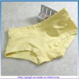 Bragas respirables de la ropa interior de las chicas jóvenes con la tela de algodón