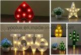 Éclairages LED à piles en plastique de chapiteau de cru de l'ananas DEL Symble