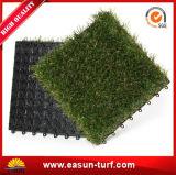 人工的な草のタイルをかみ合わせる2017年の向く製品