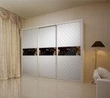 自由で永続的な木の3つのドアの寝室のワードローブの戸棚の家具