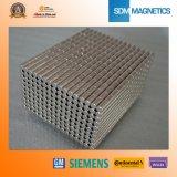 Amostras grátis ISO / Ts 16949 Certificado N52 Ímãs poderosos de cilindro de neodímio poderoso
