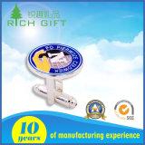 Kundenspezifischer Firmenzeichen-Manschettenknopf u. Gleichheit-Klipp eingestellt worden mit Samt-Geschenk-Kasten