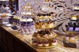 Seul présentoir acrylique d'or de gâteau de 4 rangées pour la noce