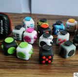 2017 friemelt de Hete AntiSpanning van het Stuk speelgoed van het Bureau van de Verkoop Nieuwe Kubus