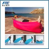 屋外の走行の不精な寝袋のカスタム空気ソファー