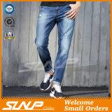 Люди фасонируют высокие джинсыы джинсовой ткани сини индига Stardard моя