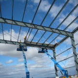 Светлый ангар стальной структуры Pre-Проектированный строя с большой пядью