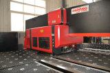 ISO-Bescheinigung anerkannte CNC-hydraulische lochende Aluminiummaschine mit Edelstahl-Platte