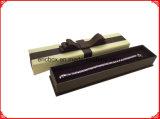 Rectángulo de joyería de papel con el arqueamiento de la cinta
