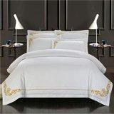 Het Geborduurde Beddegoed Van uitstekende kwaliteit die van 100% Katoen voor Huis/de Reeks van het Beddegoed van het Hotel wordt geplaatst