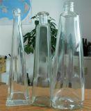 De naar maat gemaakte Flessen van het Glas van de Driehoek