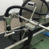 Industriali continui dirigono per murare la stampante di getto di inchiostro di codice della data