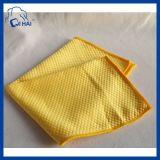 Los pescados de Microfiber como escala limpian la toalla del paño (QDDSD99676)