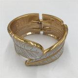 Pulsera de la aleación del metal de la alta calidad con el brazalete de la joyería de la hoja