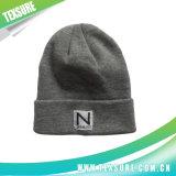 Kundenspezifischer AcrylBeanie gestrickter Hut/Schutzkappen mit Patchwork-Firmenzeichen (062)