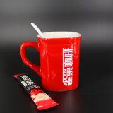 La fábrica modificó la taza roja impresa insignia de la porcelana para requisitos particulares de la marca de fábrica
