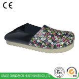 Здоровье Грейс обувает ботинки белых/черноты вскользь