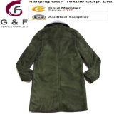 Cappotto di trincea lungo di verde alla moda delle signore