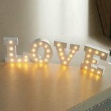 Letras de madeira iluminadas diodo emissor de luz do alfabeto do sinal do famoso