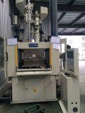 Machine van de Injectie van de servobesturing de Verticale voor Twee Werkstations (HT210DC)