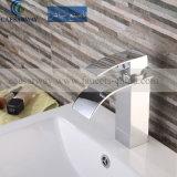 Robinet de cascade à écriture ligne par ligne de taraud d'eau de bassin de grand dos d'acier inoxydable pour la salle de bains