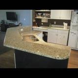 Dessus traditionnels de cuisine de granit ornemental de Giallo