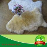 Coperta molle naturale della pelle di pecora