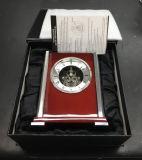 Super calidad personalizado reloj de mesa de madera para la decoración del hogar