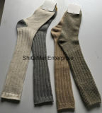 Calze solide lunghe classiche dei calzini del rifornimento della fabbrica Ginocchio-Alte