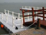 Muelle plástico del barco el pontón