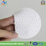 Composição e almofadas de algodão de limpeza