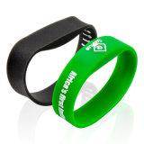 Silicones secs faits sur commande de bracelet de l'impression M5 de logo de Silkscreen pour le gymnase