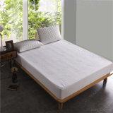 Protector de bambú impermeable del colchón del telar jacquar del Knit
