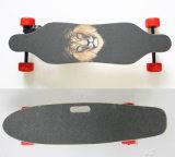 Fabrik geben das 4 Rad-elektrischen Skateboard-Roller mit Ferncontroller an