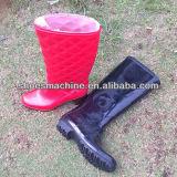 Автоматические 2 ботинка ботинка дождя PVC цвета делая машину