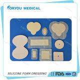 FDA 510k het Diabetes Antibacteriële Schuim die van het Silicone van de Behandeling van de Zweer zich met Grens kleden