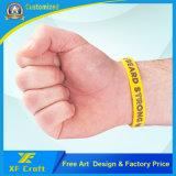 Wristband personalizzato poco costoso del silicone per qualsiasi attività collettiva con qualsiasi marchio