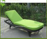Salotto esterno del Chaise del rattan del giardino di vimini sintetico della mobilia di svago