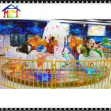 Il giro felice dell'uovo di dinosauro allegro va tondo per lo sbarco dell'interno del gioco dei bambini