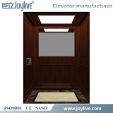 El último pequeño elevador casero al aire libre de la elevación