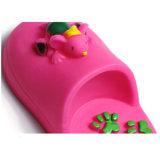 Hefterzufuhr, die Hundespielzeug-Haustier-Spielzeug kaut